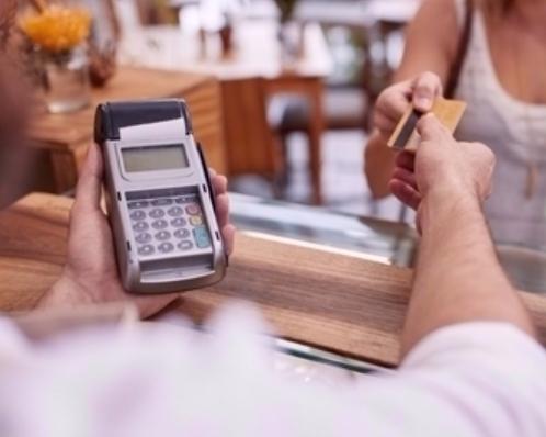 Také pro platby do pětistovky občas musíte zadat PIN